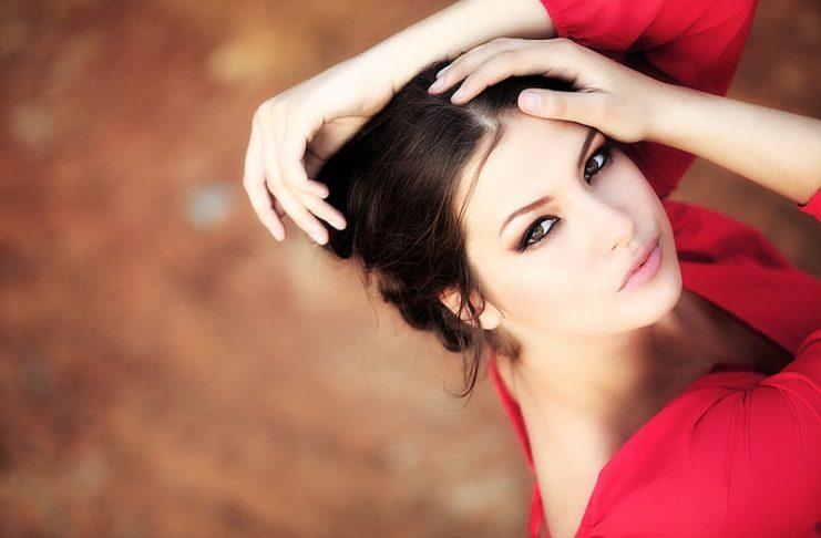 Bí quyết trang điểm giúp phụ nữ trở nên xinh đẹp 9