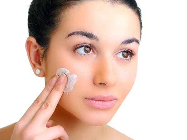 Cần dưỡng ẩm cho da trước khi trang điểm