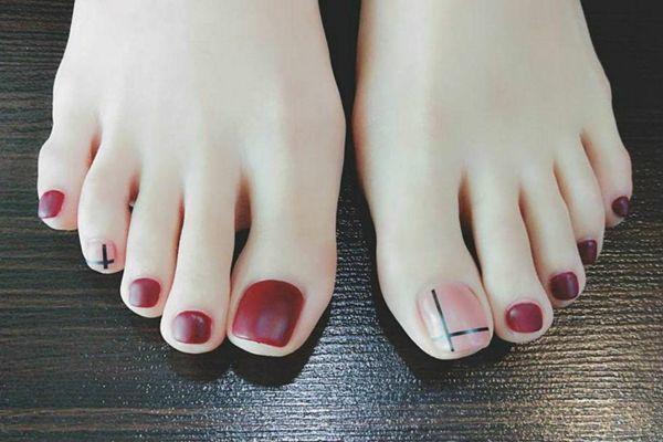 Kiểu móng chân được vẽ đẹp nổi bật