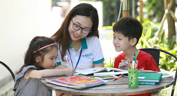 Học với gia sư giúp mang lại sự hỗ trợ tích cực và kịp thời trong học tập