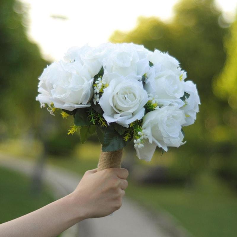 Ý nghĩa của bó hoa cưới cầm tay trong ngày cưới
