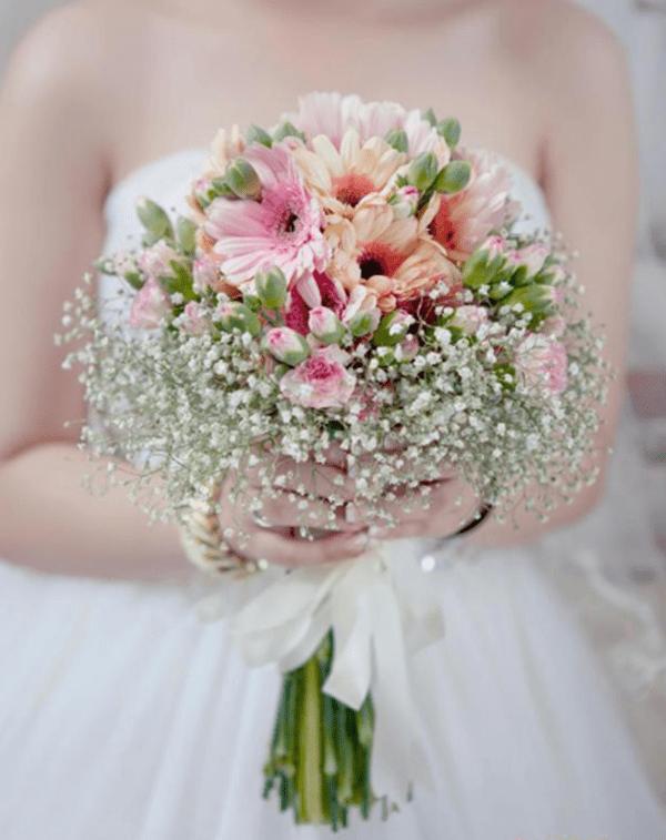 Hoa cưới đồng tiền mang ý nghĩa về sự hạnh phúc tràn đầy